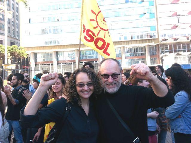 Eu e Luciana Genro no ato de Protesto.
